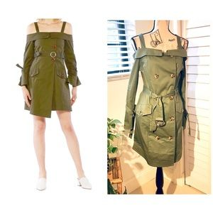 NWT Long Sleeve Cold Shoulder Trench Cost Dress💚